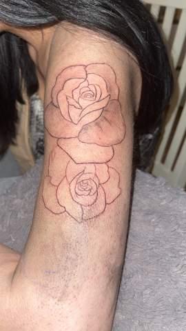 - (Gesundheit und Medizin, Tattoo)