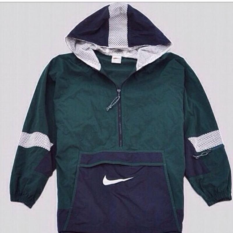 info for 5701c 82e55 Hilfe! Wo bekomme ich diese/n Nike vintage Jacke/Hoodie ...