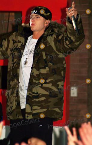 Um diese jacke handelt es sich - (Mode, Rap, Style)