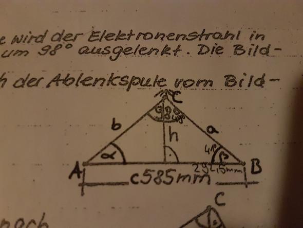 Höhe in diesem Dreieck berechnen?