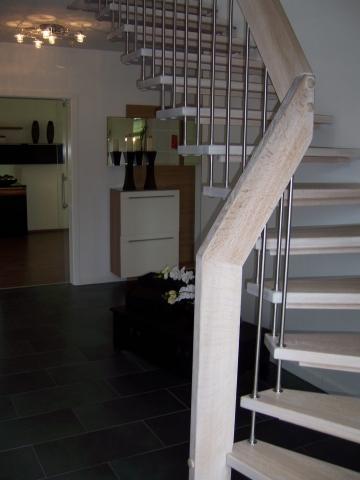 treppe buche oder eiche wohn design. Black Bedroom Furniture Sets. Home Design Ideas