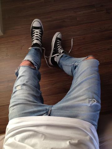 Hier die Hose - (Hose, Jeans, Hellblau)