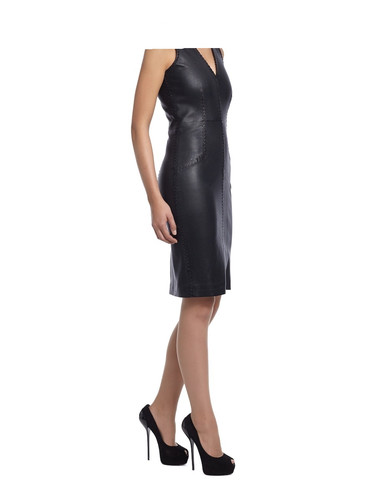 Die HighHeels müsste ich zu dem Kleid anziehen. Das ginge auch für mich. - (Beauty, lederkleidung, Lederkleidung am Geburtstag)