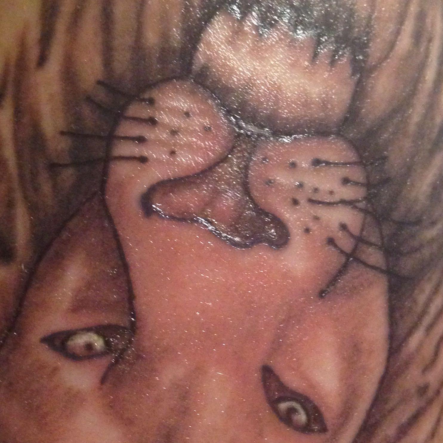 Entzündetes Tattoo