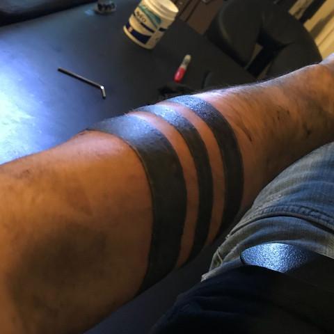 3 Schwarze Ringe Tattoo Teurer Schmuck