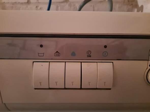Ich habe eine uralte Hoover Waschmaschine geschenkt bekommen, ohne Bedienungsanleitung. Kann mir jemand helfen? WA 1100 de Luxe, Seriennr. A284441200547?