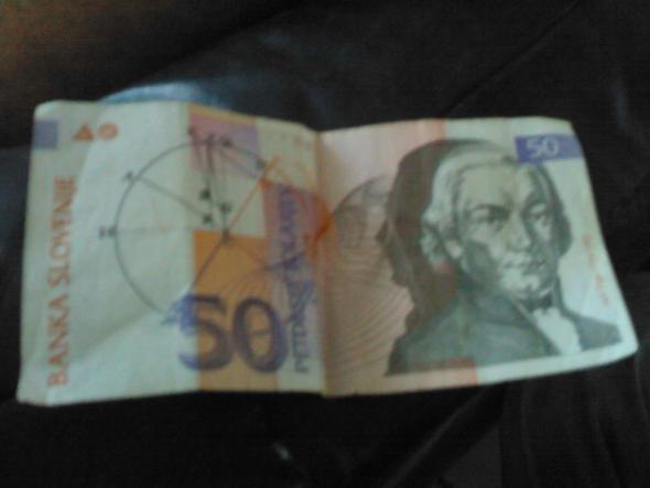 Ich habe Geld gefunden möchte wissen wie viel das in Euro ist? Hier ein FOTO! ;)