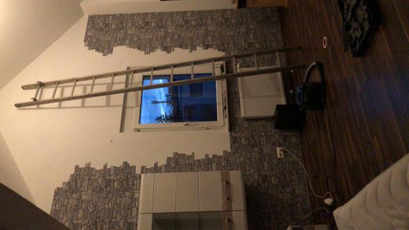 Ich renoviere gerade mein zimmer und irgendwie sieht das mit der steintapete so leer aus hat - Zimmer mit steintapete ...