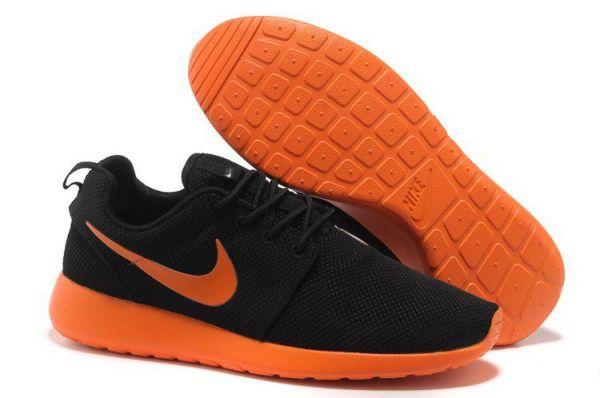 Nike Roshe Run Schwarz Graue Sohle