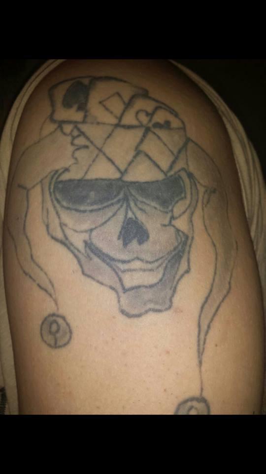ich suche ein gutes cover up f r ein misslungenes tattoo. Black Bedroom Furniture Sets. Home Design Ideas