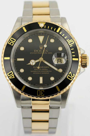 Ich suche eine Uhr in einem relativ bezahlbaren Preissegment, sie soll aussehen wie eine der anghängten Bilder?
