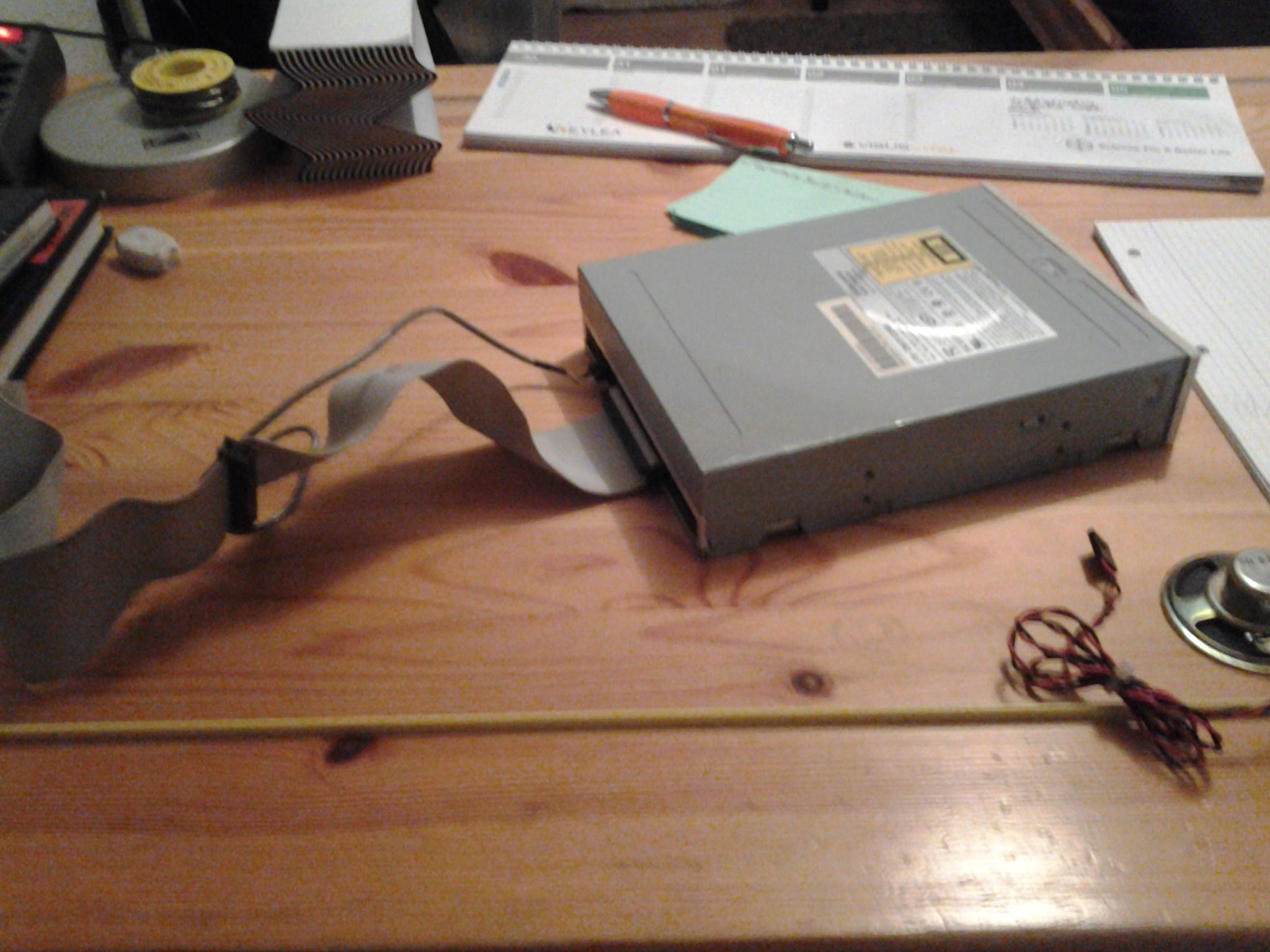 ich suche einen schaltplan f r ein cd player technik cd. Black Bedroom Furniture Sets. Home Design Ideas