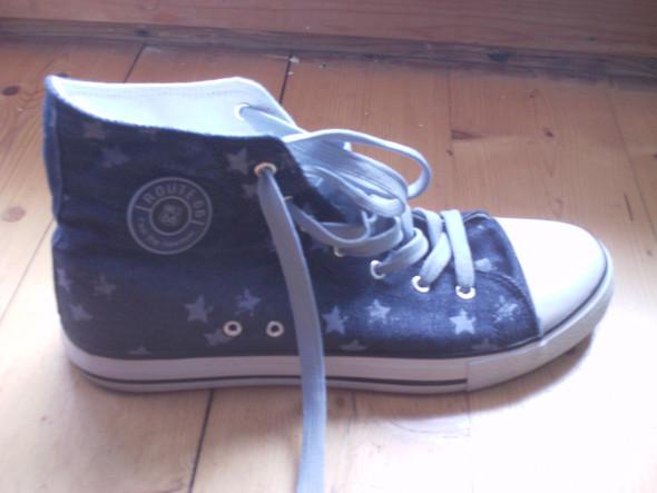 Schuhe mit Motiven - (Freizeit, Mode, Schuhe)