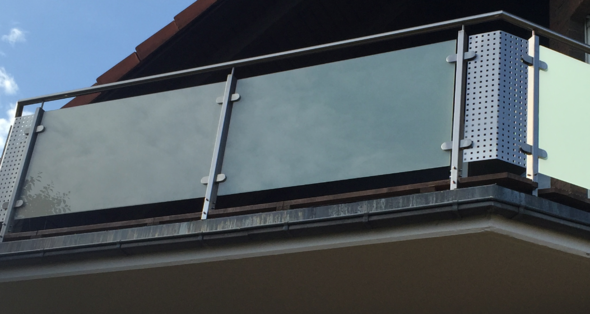 Balkon 1 - (Holz, Metall, Architektur)