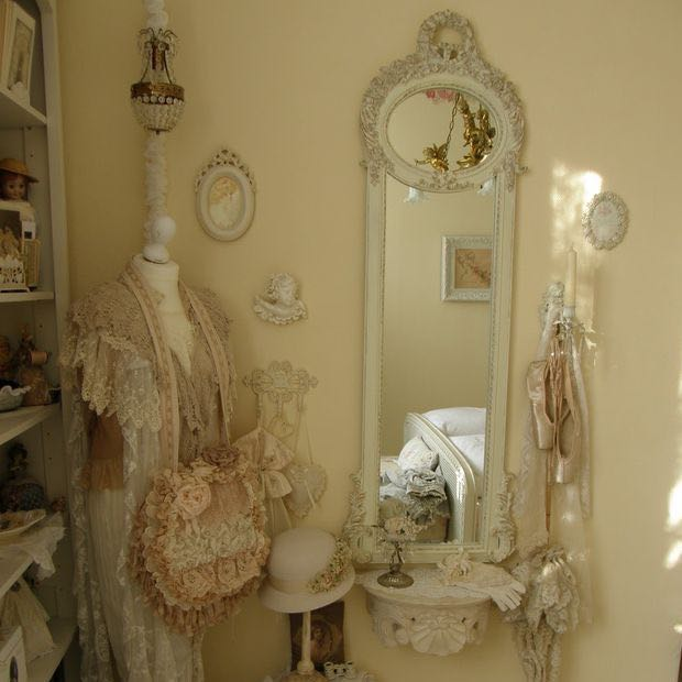 wohnzimmer grau lila streichen. Black Bedroom Furniture Sets. Home Design Ideas