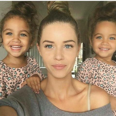 Diese dame  - (Frauen, Name, Zwillinge)