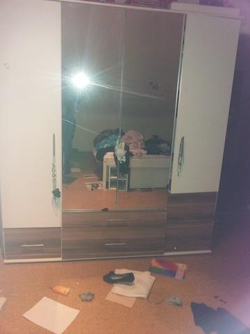 Schrank ikea mit spiegel  IKEA Kleiderschrank - Weiß - Spiegel [Foto unten] (Schrank)