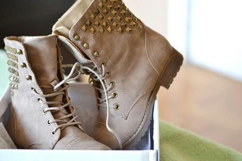 Schuhe - (Mode, Schuhe, Online-Shop)