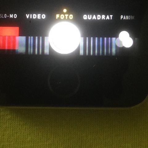 Und hier mal eine App, die Kamera App , man sieht das sich die Farbe ändert... - (Handy, iPhone, Apple)
