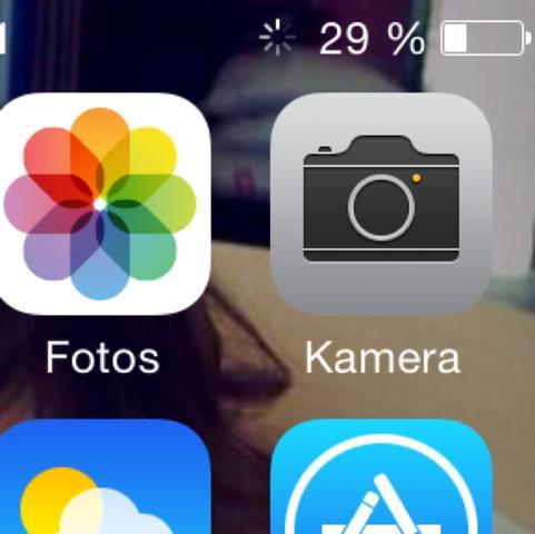 oben rechts neben Prozentanzeige  - (iPhone, Akku, Laden)