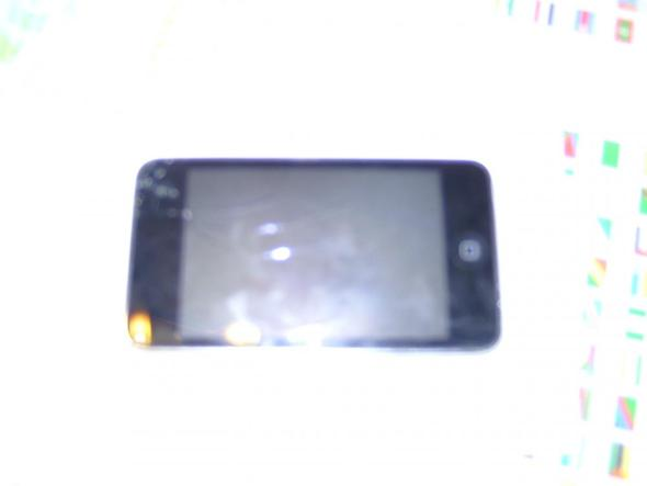 iPod von vorne  - (Apple, iPod Touch, defekt)
