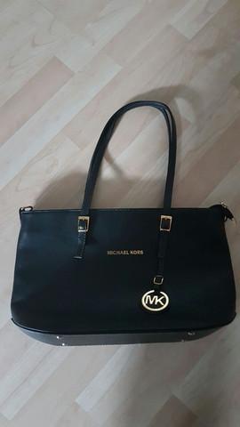 3f1f4d3c284cd Ist das eine echte Michael Kors Tasche oder Fake (Bilder) (Handtasche)