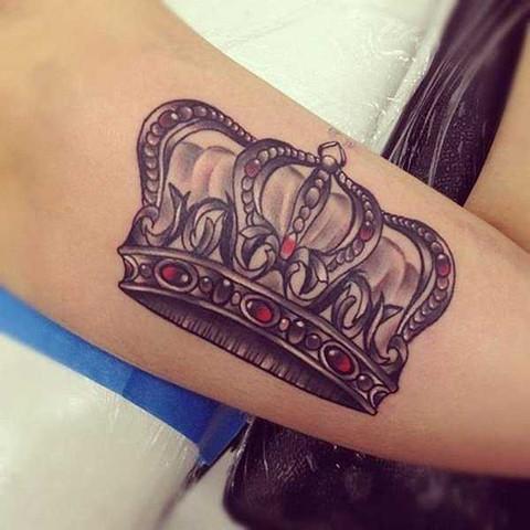 Männlich oder weiblich? - (Tattoo, Krone)