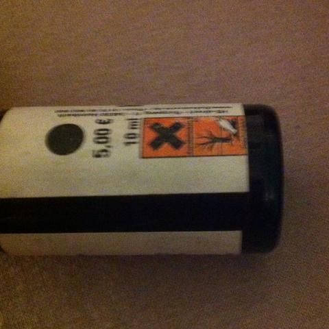 Oder sachen mit solchen symbolen:o halt zb umweltgefährdend - (Chemie, Biologie, Haut)