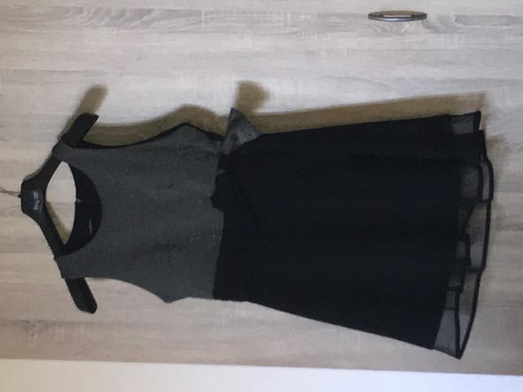 Ist das Kleid zu Dunkel für eine Hochzeit? (Beziehung ...