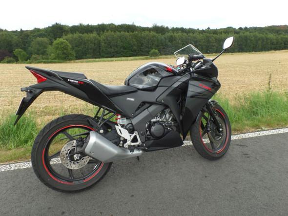 Motorrad in weiß - (Motorrad, lackieren, Folieren)