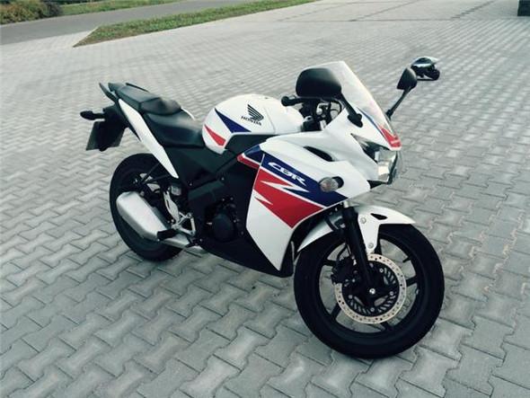 Motorrad in Schwarz - (Motorrad, lackieren, Folieren)