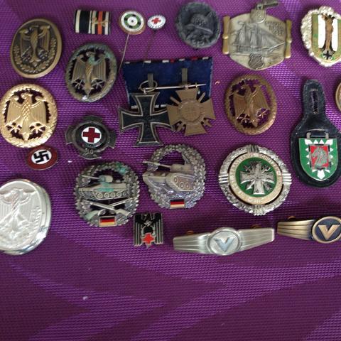 Orden und Medaillen  - (Weltkrieg, Hitler, Nationalsozialismus)