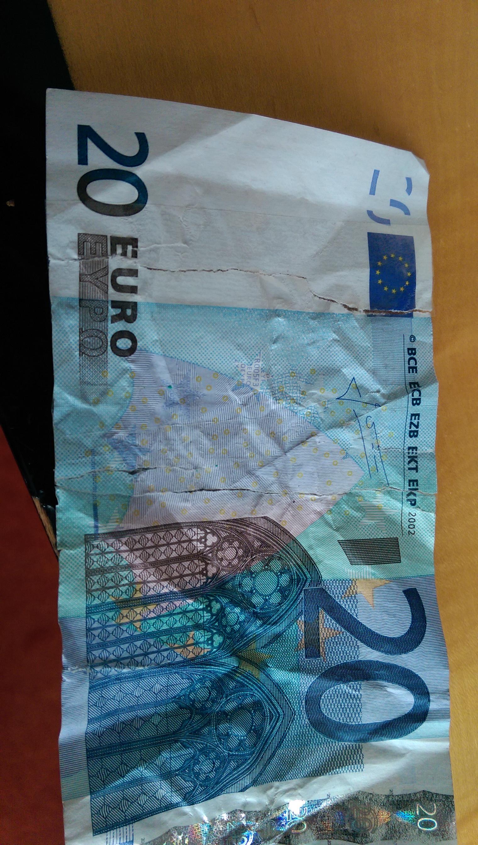 Geld Zerrissen