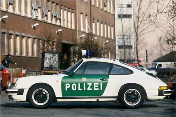 Ist der Porsche 911 heute noch bei der Polizei im Einsatz?