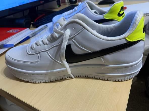Ist die Schuhe echt?