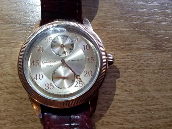 Ist die Uhr eine echte Glashütte?