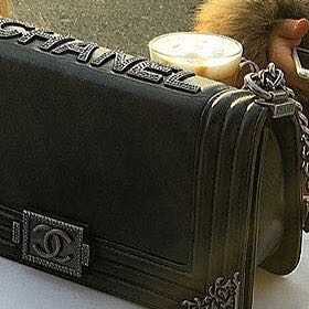 ist diese tasche original oder fake fashion marke chanel. Black Bedroom Furniture Sets. Home Design Ideas