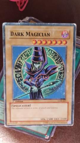 Ist diese Yu gi oh karte was Wert Dark Magican?