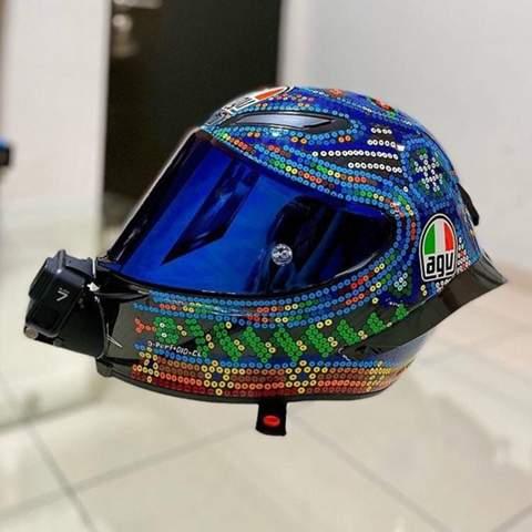 Ist dieser Helm foliert?