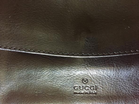 4080bd51a7fe71 Ich habe dieses Gucci Portmonnee geschenkt bekommen und will trotzdem  wissen ob es originell ist . Ich habe auch Bilder reingestellt