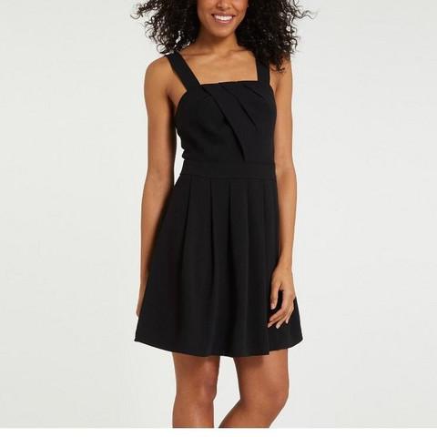 Kleid - (Mädchen, Kleidung, Alkohol)