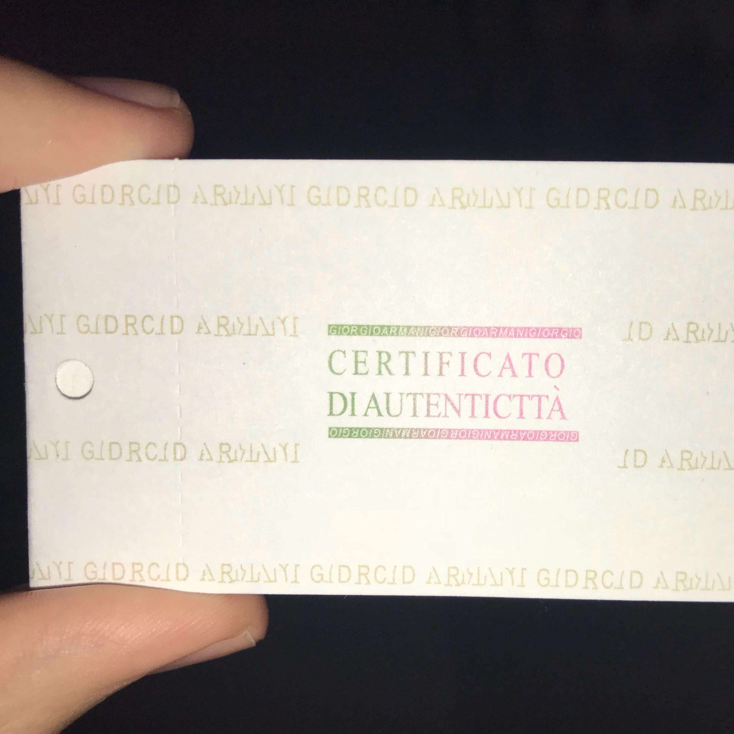 Ist dieses Zertifikat von Armani gefälscht? (Uhr, Faelschung)