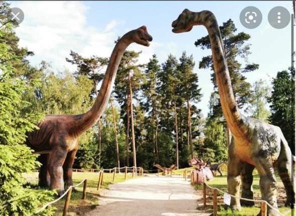 Ist ein Besuch in einem Dinosaurier Park kindisch?