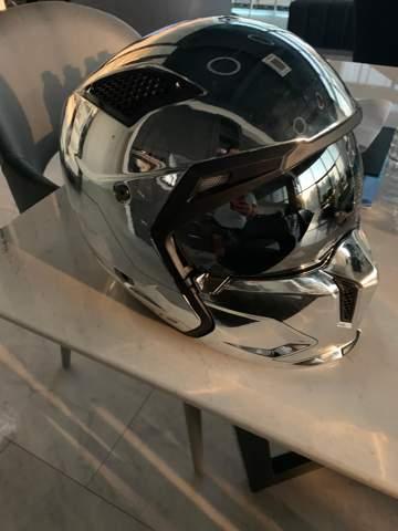 Ist ein verspiegelter Motorrad Helm erlaubt?