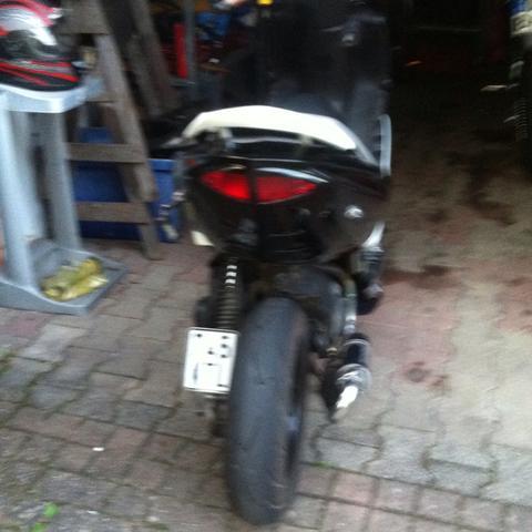Schwarz weiß (Nummernschild auf der Seite) - (Polizei, Roller, legal)
