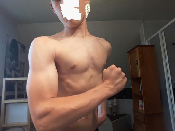 - (Training, Sport und Fitness, Gym.)