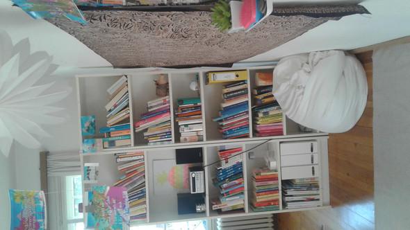 Bücherschrank - (wohnen, Zimmer, Beratung)
