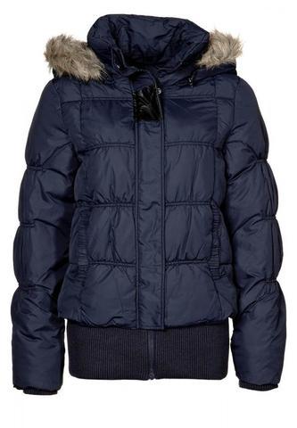 diese Jacke ist von Vero Moda. ich mag so eine OHNE Arme ;) - (Mode, Kleidung, Jacke)