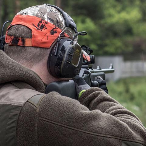Jagdkappe mit Aussparungen für Gehörschutz wo kaufen?