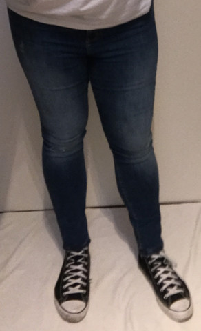 jeans outfit konkret skinny jeans bei jungs wie findet ihr die jeans antworte jedem. Black Bedroom Furniture Sets. Home Design Ideas